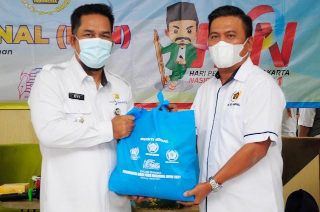 PWI Kota Bandung  Bagikan Sembako Kepada Warga Kecamatan Bandung Kidul Terpapar Covid-19