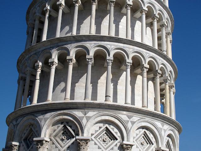 torre-pendente-torre di pisa-architettura-monumento