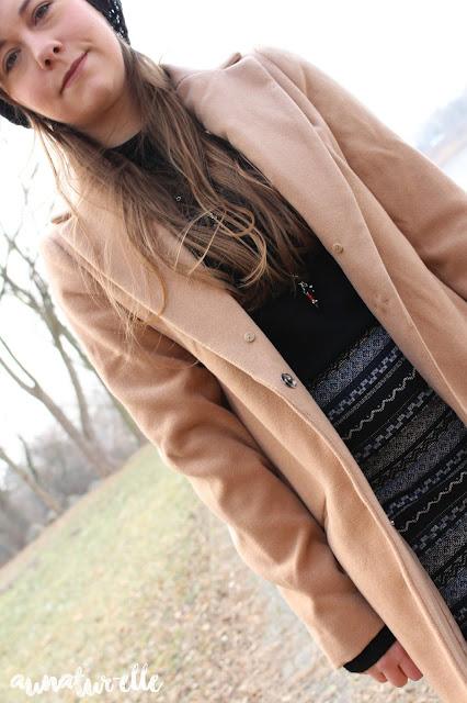 Le manteau beige / camel