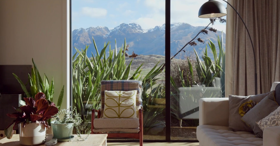 25 Interior Design Photos vs. 13 Torridon Ct, Jack's Point New Zealand Luxury Home Tour