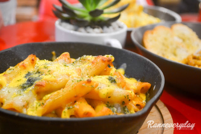 Mac-Queso Baked Macaroni at Beans and Blossoms Cafe Malolos