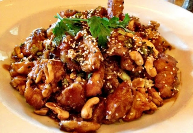 Cheesecake Factory's Spicy Cashew Chicken #chicken #recipes