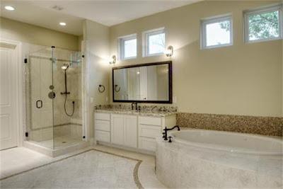 ห้องน้ำหรูด้วยอ่างอาบน้ำหินอ่อน