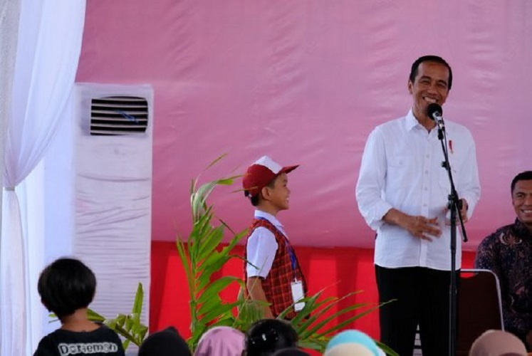 Jokowi dan anak SD