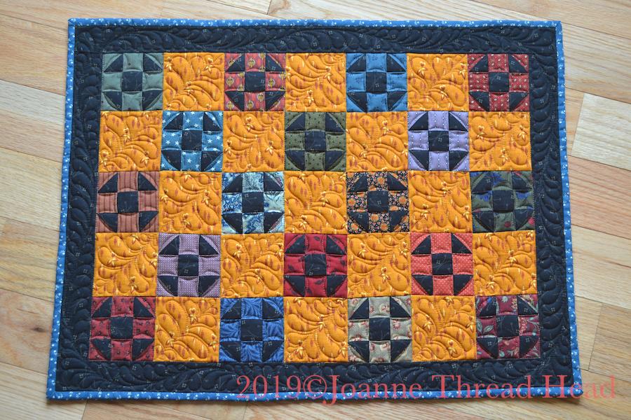 Thread Head: Shoo Fly Mini Quilt Tutorial