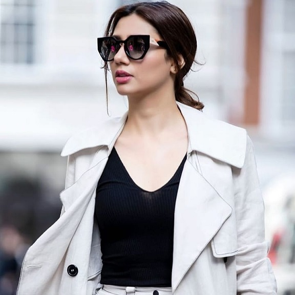 Mahira Khan Actress of Pakistan become a Boy 6