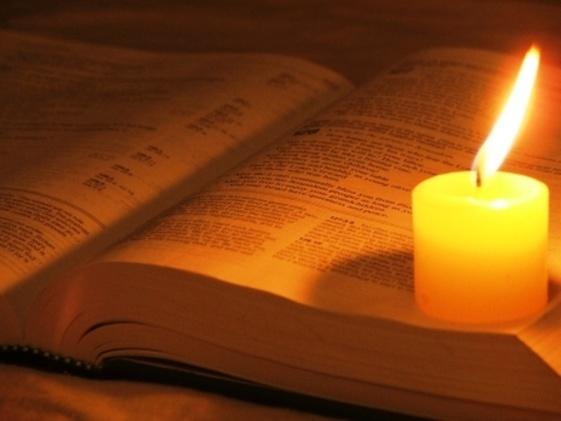 Resultado de imagen para la sagrada biblia abierta