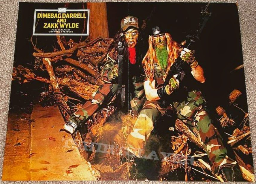 Dimebag Darrell zakk wylde guitar world camouflage assault rifle machine gun