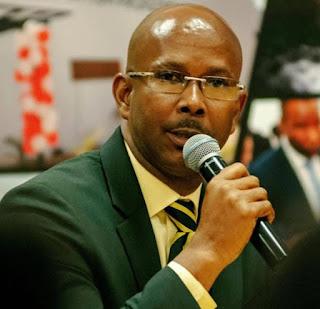 Jean-Michel Lapin asumió de forma interina ayer, jueves, como primer ministro de Haití, después de que los diputados destituyeran el lunes a Jean Henry Ceant, tras aprobar una moción de censura en su contra por la falta de respuesta al agravamiento de la crisis económica.