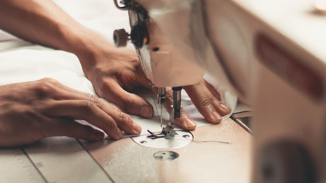 Who Invented Sewing Machine