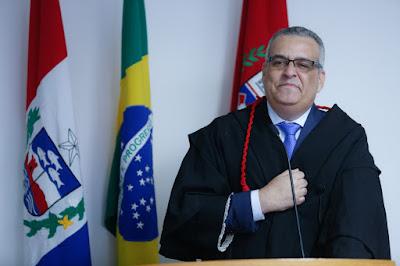 Alfredo Gaspar oficializa saída do MP/AL e anuncia novos  desafios