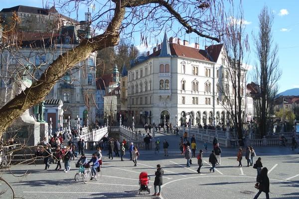 ljubljana Prešernov trg triple pont château