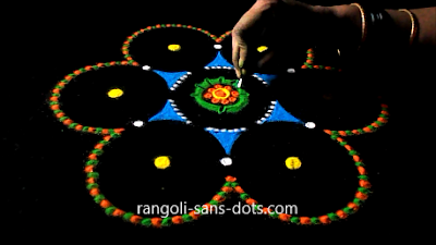 rangoli-craft-with-old-Cds-buds-1112ag.jpg