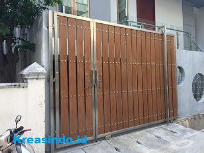 Pintu Pagar Rangka Stainless Kombinasi Kayu Terbaik dengan Harga Terjangkau