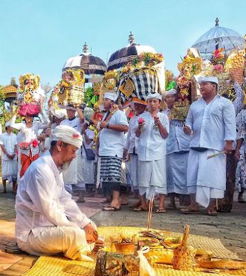 Hubungan Catur Marga dengan Tujuan Ajaran Agama Hindu (Moksa)
