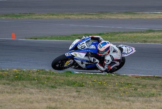 IDM Superbike 1000: Mikhalchik schlägt im zweiten Rennen zurück