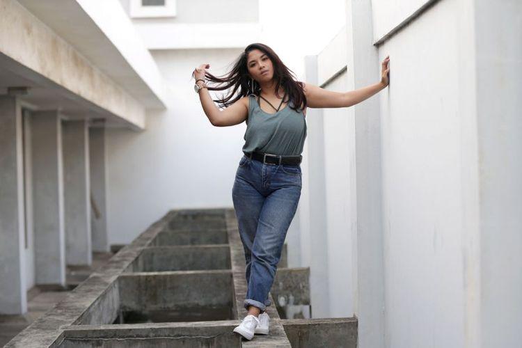 Nadine Waworuntu Akui Dialah Perempuan dalam Video dengan Verrell Bramasta