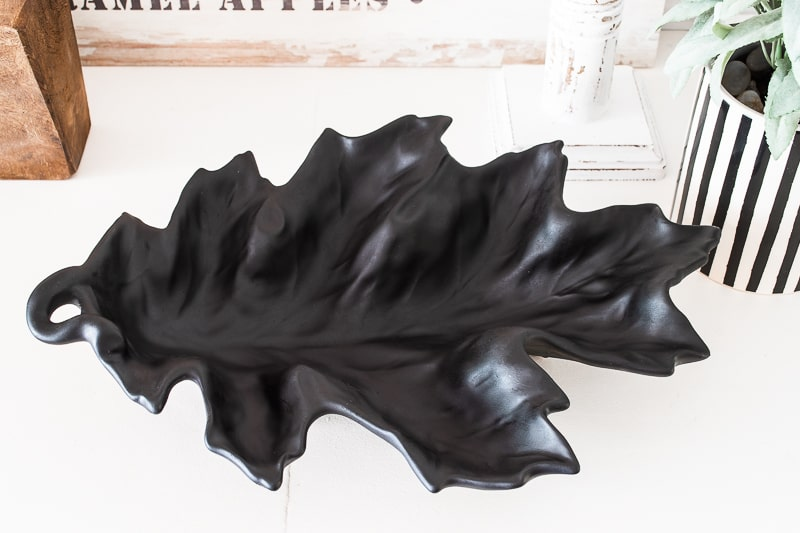 black ceramic leaf dish