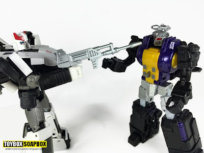 fanstoys grenaider or masterpiece bombshell with prowl