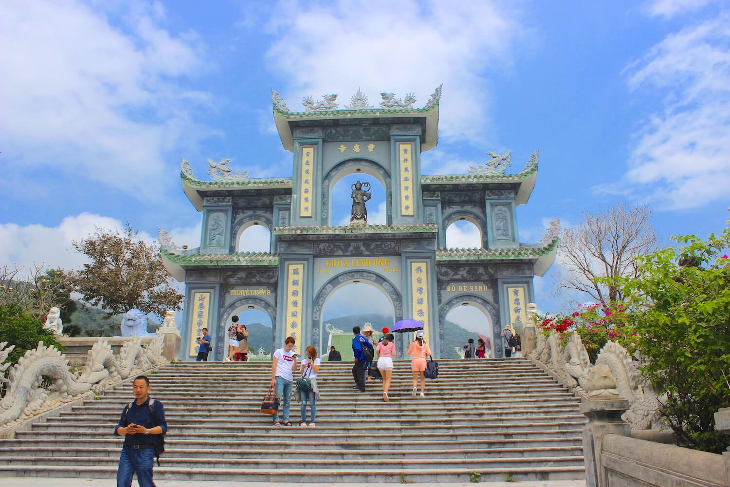linh ung gate in da nang