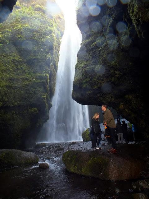 cacada entre rocas Islandia