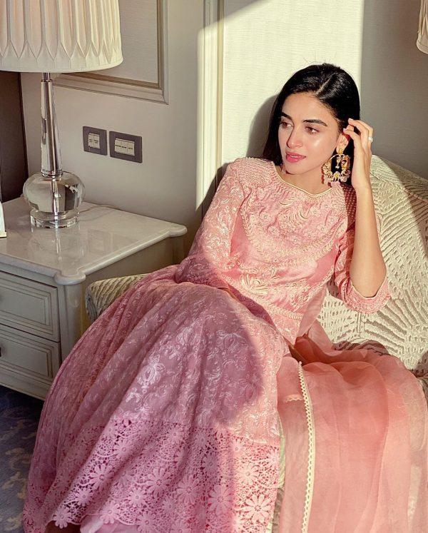 Anmol Baloch Awesome Colorful Recent Instagram Pictures