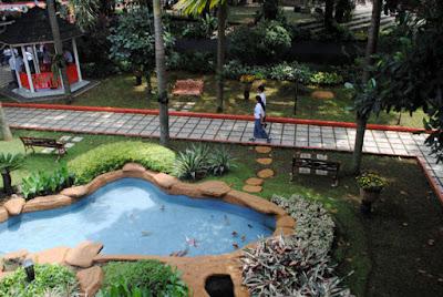 Jasa Pembuatan Taman Depan Kelas Sederhana