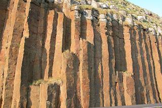 Basalto-colunar-Frooba-Ilhas-Faroe-Islandia
