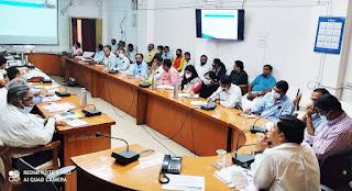 कलेक्टर श्री गुप्ता ने अधिकारियों को दिये निर्देश