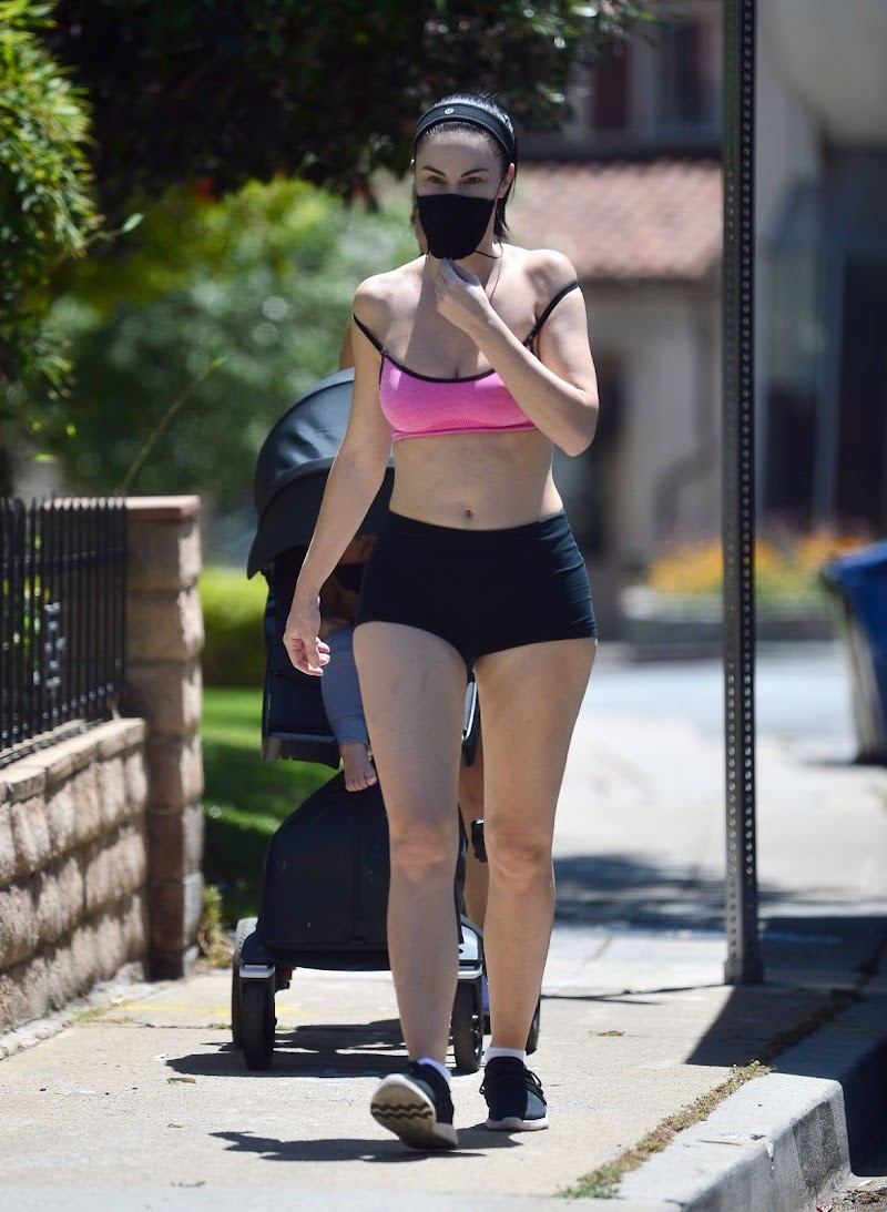 Jayde Nicole Clicked in Shorts Out Hiking in Hollywood Hills 6 May-2020