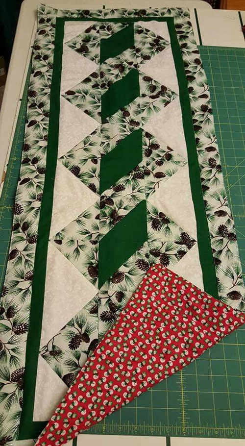 Pole Twist Table Runner - Free Pattern