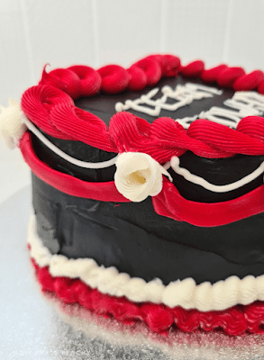 Twilight Vintage Buttercream Birthday Halloween Cake DIY design on-trend inspo