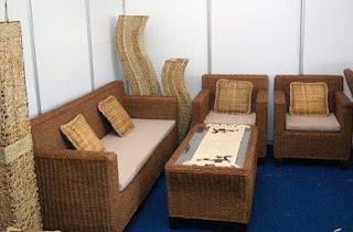 yakni rotan yang dipakai yakni diambil dari  30 Model Kursi Rotan Teras, Ruang Tamu, Kursi Makan Terbaru