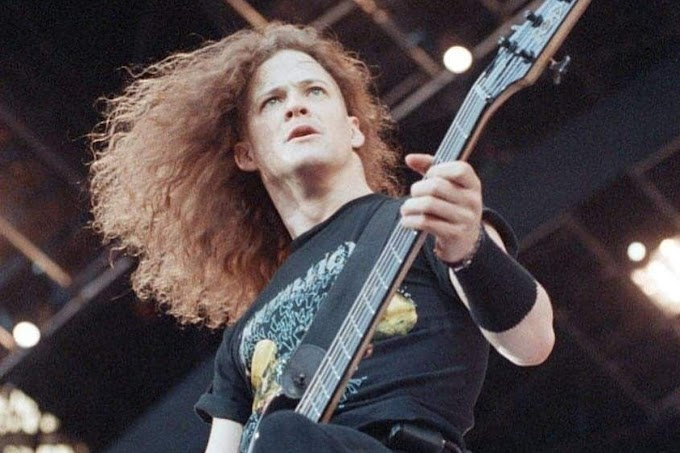 Jason Newsted explica porqué siempre usaba poleras de Metallica