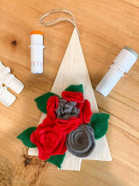 free silhouette studio file, free studio file. free silhouette cut file, balsa wood, Christmas ornament