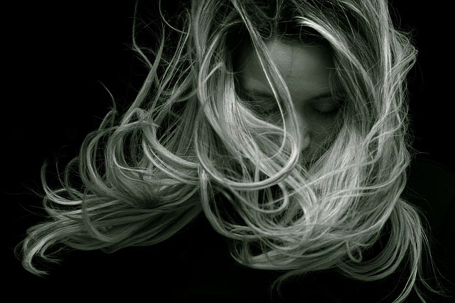 Cara Alami Menghilangkan Rambut Bercabang dan Kering