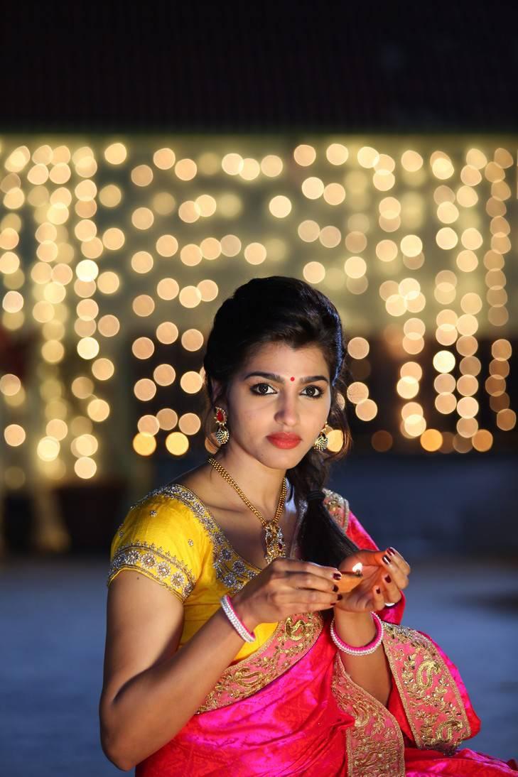 Sai              Dhansika Photos In Red Saree