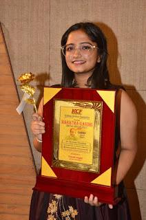 singer-chandna-vegad-awarded