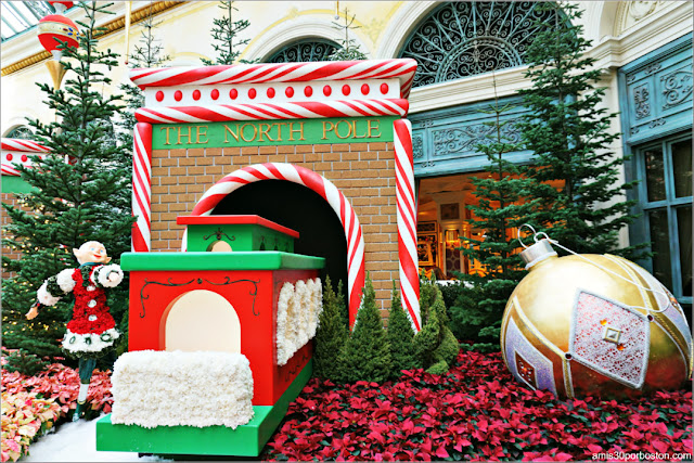Holiday Glamour 2017 del Hotel Bellagio: Duendecillos en la Estación del Polo Norte