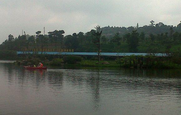 Floating market di Lembang - pinjam Evi Sri Rezeki