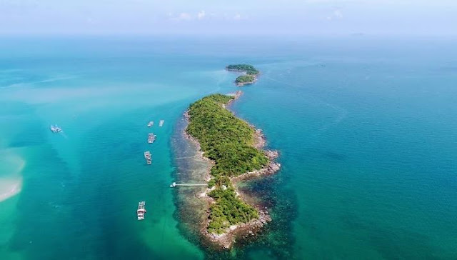 Dam Island is isolated from the bustling Phu Quoc.