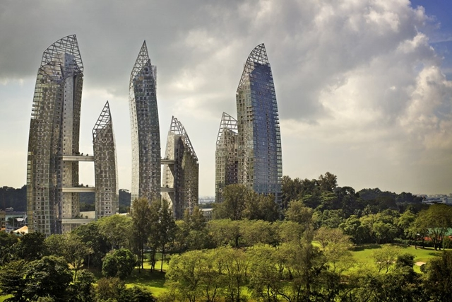 Reflections at Keppel Bay by Studio Daniel Libeskind and vegetation