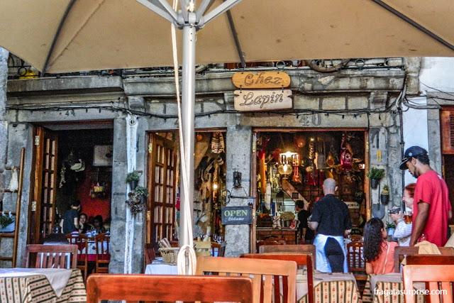 Restaurante Chez Lapin, no Cais da Ribeira, Cidade do Porto, Portugal