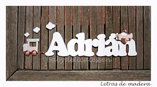 letras de madera infantiles para pared Adrián con siluetas de tren y avión babydelicatessen