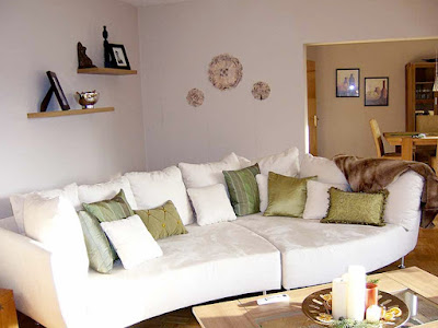comfort-warm-white-living-room-couches