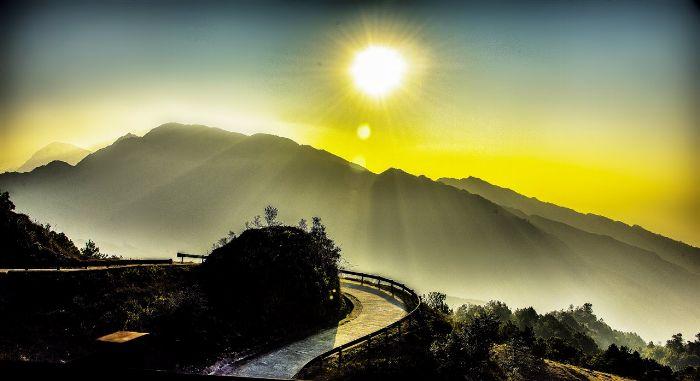 đường lên núi Phặt Chỉ
