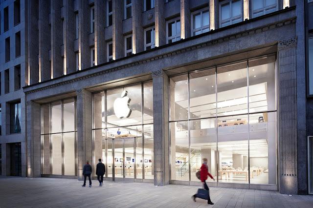 tienda apple Jungfernstieg en hamburgo edificio antiguo desde el exterior