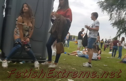 Girls Gotta Go 110 (Drunk spanish girls caught peeing on the festivals)