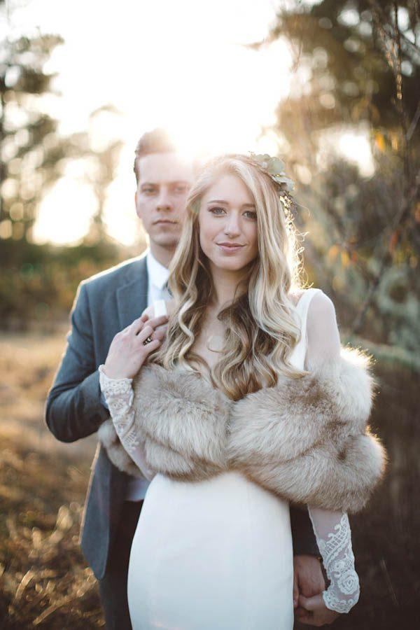 Ślub i wesele zimą, zimowy ślub, suknia ślubna, trendy ślubne, organizacja ślubu i wesela zimą, dekoracje na ślub zimą, kwiaty na ślub i wesele zimą,