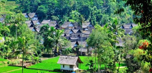 Kampung Naga Wisata Tasik